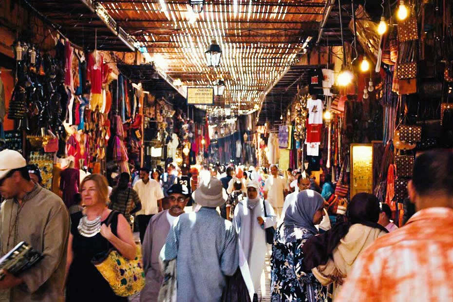 How to get around in Marrakech souks? Do you need a map for the Marrakech souk?