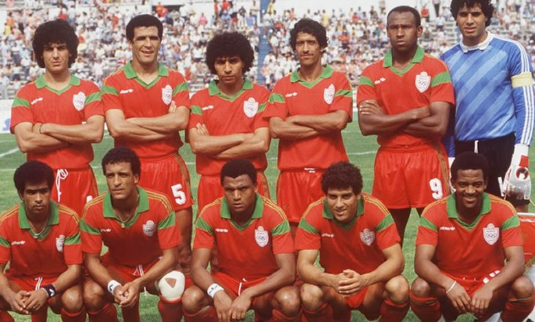 The Moroccan team lined up before the match in Monterrey, Mexico on 6 June 1986.